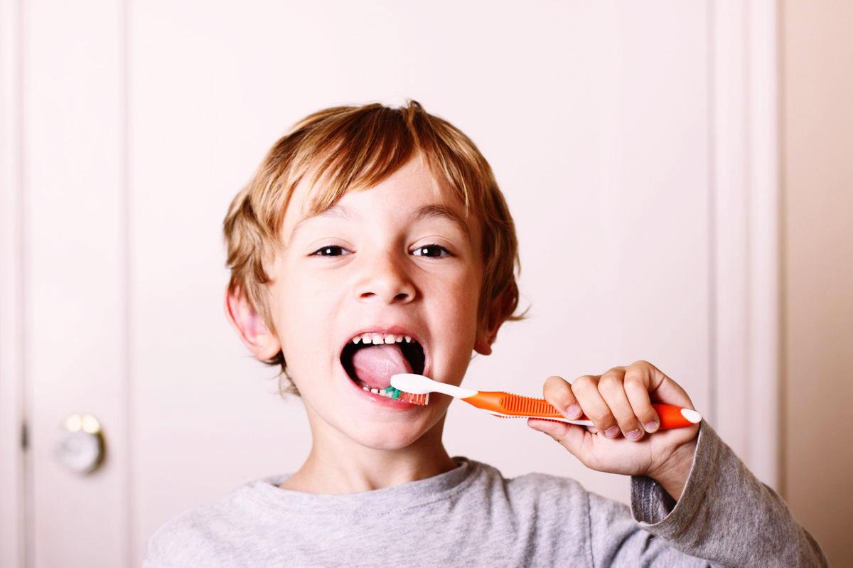 umivanje zob otroci - zobna